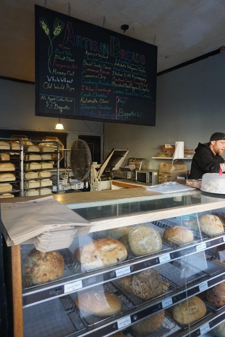 die erste Bäckerei die wir entdeckt haben die aussieht wie in Europa :)